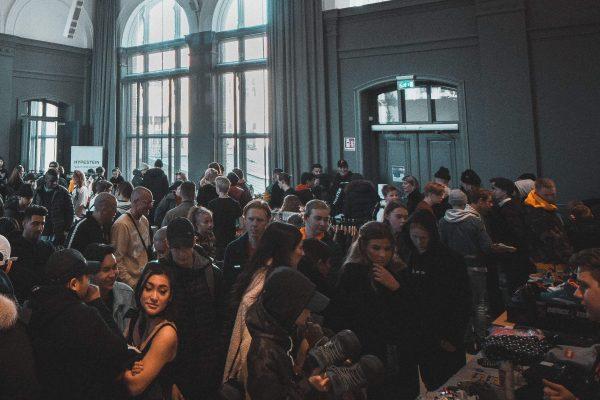 Largas filas en eventos